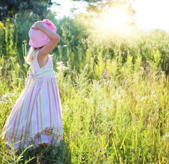 clothing-grassland-meadow-grass-102879422